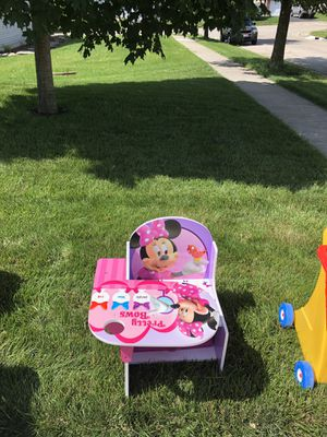 Minnie Mouse Kids Desk for Sale in Franklin, OH