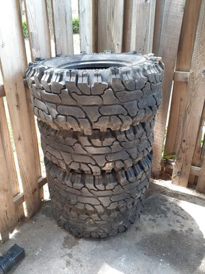 Jeep Wrangler 1997 tires for Sale in Gaithersburg, MD