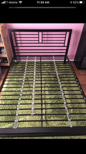 Full size bed frame for Sale in Dallas, TX