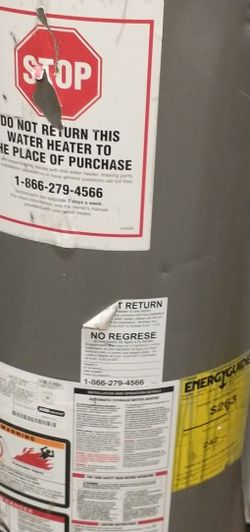 4-Year Old Rheem 40-Gallon Gas Hot Water Tank! for Sale in Cleveland,  OH