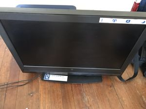 32 inch flatscreen tv for Sale in Pittsburgh, PA