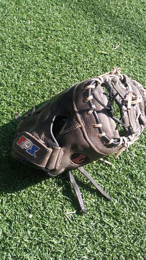 Louisville TPS softball baseball first base glove for Sale in Culver City, CA