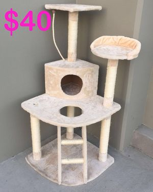 New in box $40 each 22x22x48 inches tall corner cat tree scratcher with ladder beige or black color for Sale in Covina, CA