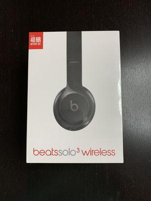 Beats Solo3 Wireless Headphones Gloss Black **New In Box Sealed** for Sale in Rockaway, NJ