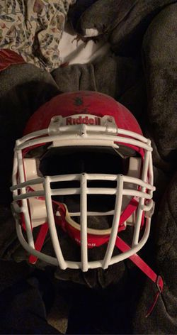 Riddell Large Football Helmet for Sale in Springfield,  IL