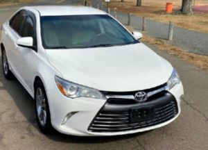 Hill Descent Control System 2015 Camry  for Sale in Oakland, CA
