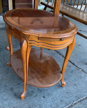 #100981 Oval Walnut End Table with Pull Out Writing Surface 26.5'' Wide x 19.5'' Deep x 21'' Tall for Sale in Oakland, CA