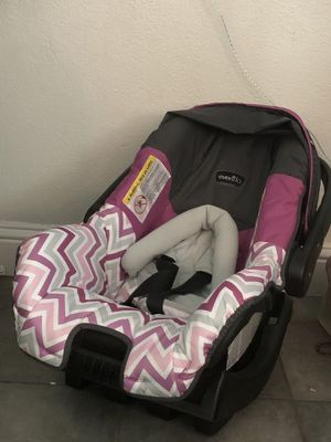 Even Flo Car seat with base for Sale in Plano, TX