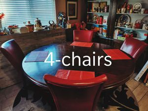 T H I S TABLE belongs in your home. Many GREAT family memories @ this table. ***4-chairs** 6-ft round in diameter**$450 or best offer*** for Sale in Las Vegas, NV
