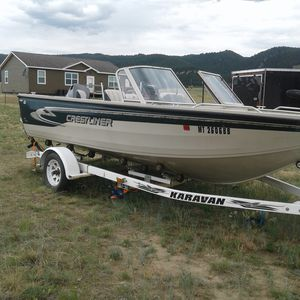1998 crestliner sportsfish, 17 1/2 ft, 2 live wells, trolling motor, life jackets good shape runs well for Sale in Butte, MT