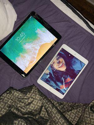 iPad Air 2, iPad mini 2 for Sale in Chicago, IL