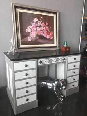 Vintage painted desk for Sale in Tampa, FL