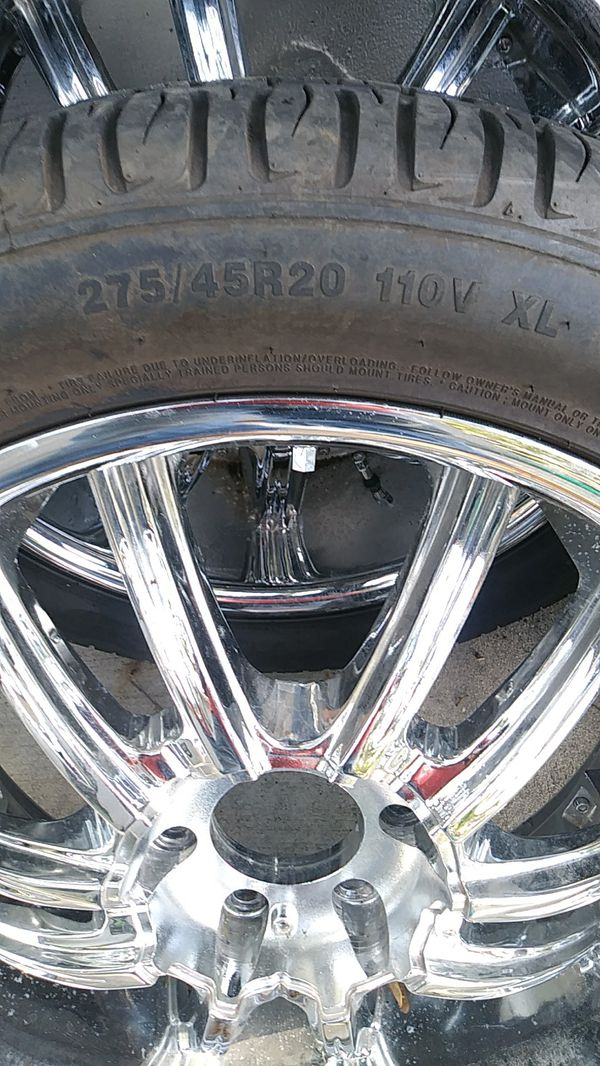 6 lugs chrome rims and tires.