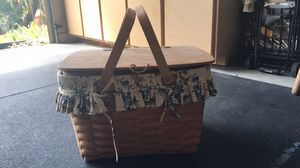 Longaberger Picnic Basket (read description as fabric lining no longer available) for Sale in Orange, CA