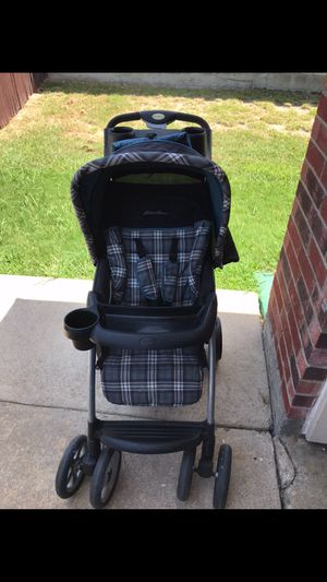 White grey with blue trim Eddie Bauer stroller complete for Sale in Rockwall, TX