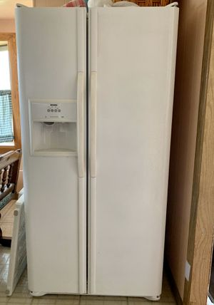 Kenmore fridge/freezer water and ice maker for Sale in NJ, US