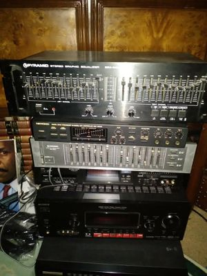 95 qty old school stereo receivers 40 speakers record players all tested for Sale in Las Vegas, NV