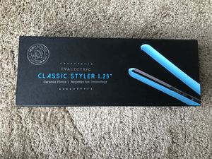 Evalectric Classic Styler 1.25 STRAIGHTENERS for Sale in Tampa, FL