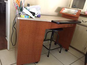 Manicure table for Sale in Pompano Beach, FL