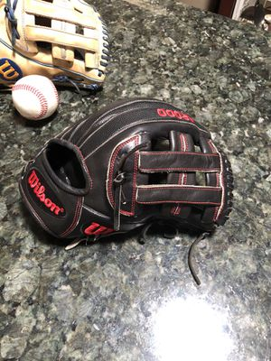 Wilson A2000 Baseball Glove for Sale in Phoenix, AZ
