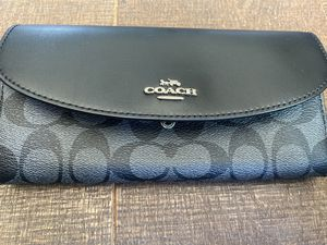 COACH wallet *NEW without tags* for Sale in Costa Mesa, CA
