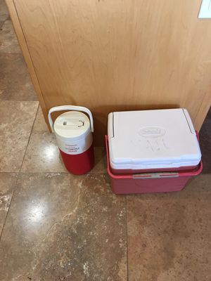 Coleman 6 pack cooler and water jug for Sale in Gilbert, AZ
