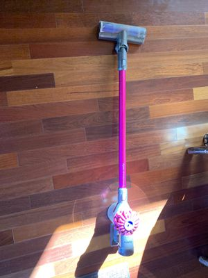 Dyson V6 Motorhead Cordless Vacuum Cleaner for Sale in Austin, TX