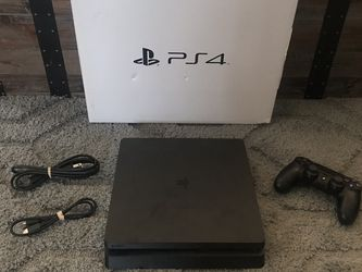 Ps4 Slim 1tb Bundle for Sale in Ravenna,  OH