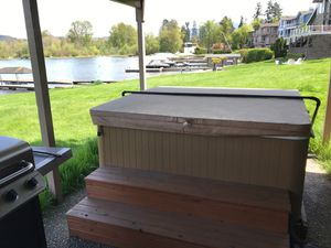 Hot tub for Sale in Issaquah, WA