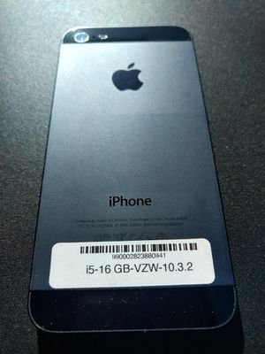 Great shape iPhone 5 factory unlocked 16GB for Sale in North Miami Beach, FL