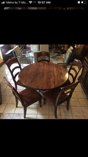 Dinning table for Sale in Fort Worth, TX