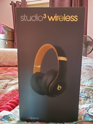 beats studio 3 wireless by dr. dre for Sale in Glendale Heights, IL