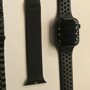Apple Watch 4 44mm - Same Day Pickup - No Credit Needed for Sale in Washington, DC