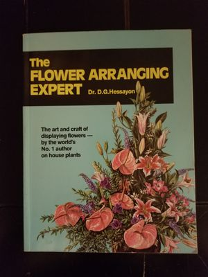 Flower Arranging Expert Vintage How to Book for Sale in East Wenatchee, WA