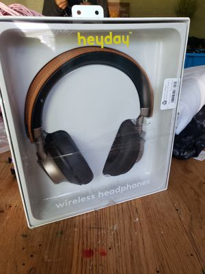 Heyday wireless headphones with microphone for Sale in Medina, OH