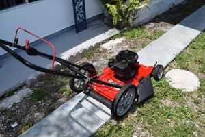 Lawn Mower for Sale in Fort Lauderdale, FL