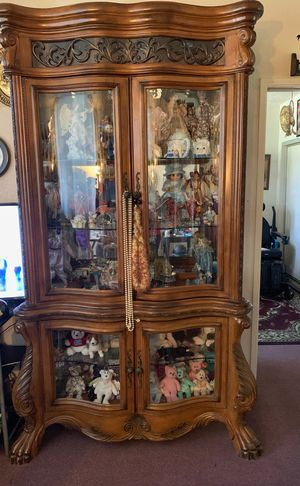 Antique 2 piece Curio Cabinet. Lights up. In very excellent condition. 1300 obo. for Sale in Fresno, CA