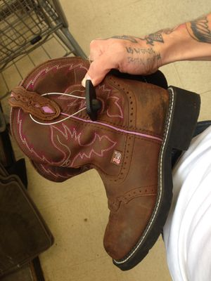 Justins gypsy boots size 8b for Sale in Pittsburgh, PA