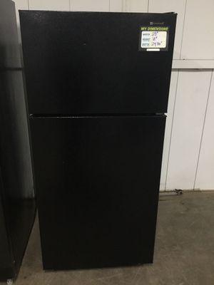 (Anoka 02-6295-MJ AS) Americana Black Top Freezer Fridge for Sale in Anoka, MN