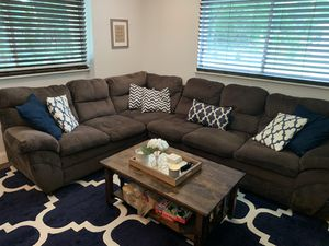 Brown sectional for Sale in St. Petersburg, FL