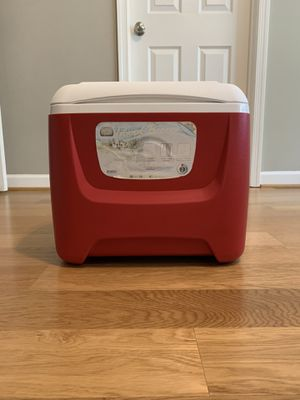 Igloo Red Cooler for Sale in Fairfax, VA