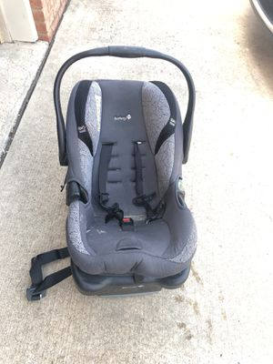 Baby car seat for Sale in Champaign, IL