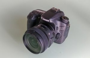 Canon 70d with Sigma lense for Sale in Manchester, MO