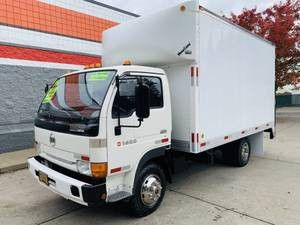 1994 NISSAN UD 1400 DIESEL 14FT BOX WOTH LIFT for Sale in Portland, OR