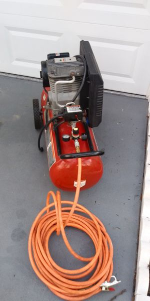 Craftsman Air Compressor 3 1/2 HP 15 Gallons in excellent condition for Sale in Clearwater, FL
