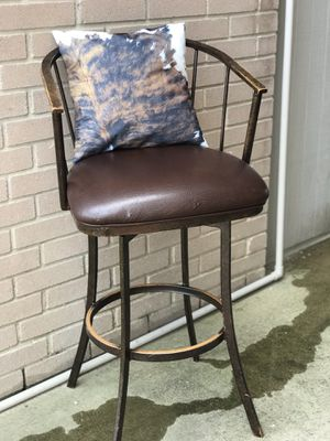 Rustic Leather Cushioned Barstools with Accent Pillows for Sale in San Antonio, TX