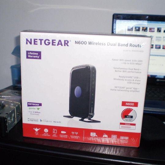 NETGEAR N600 Dual Band WiFi Router