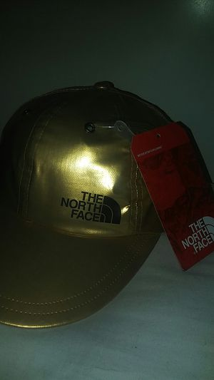 Supreme North face hat for Sale in Lewisville, TX