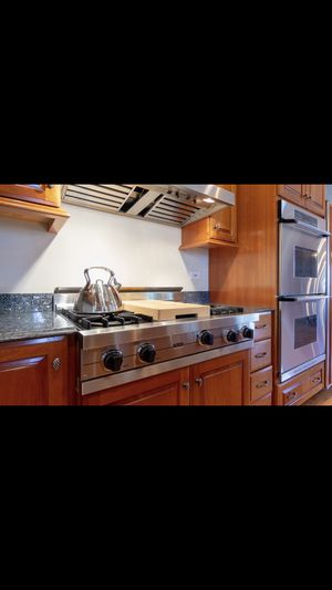 Kitchen Cabinets and Appliances $2000 for Sale in Hinsdale, IL