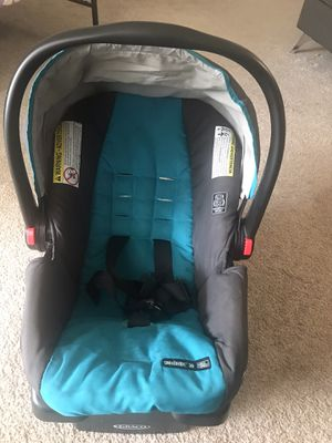 Graco snugride 30 click connect infant car seat and base for Sale in Alpharetta, GA